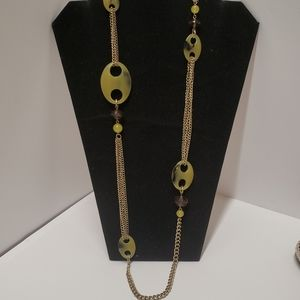 Vintage Style Green Acrylic & Chain Necklace